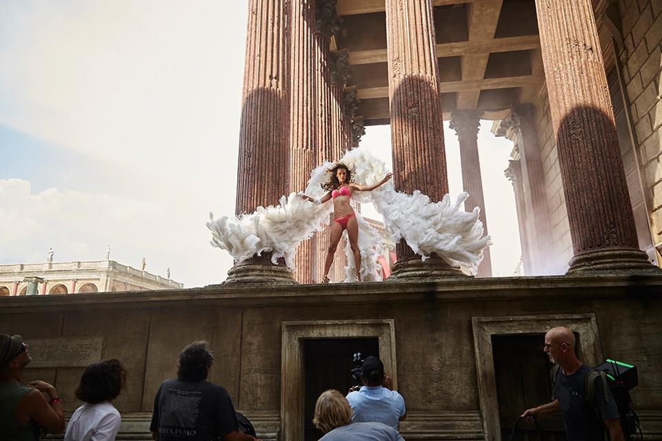 .@AngelAlessandra  spreads her wings, #BTS at our holiday commercial. #TisTheSecret https://t.co/3znXb6YrHU