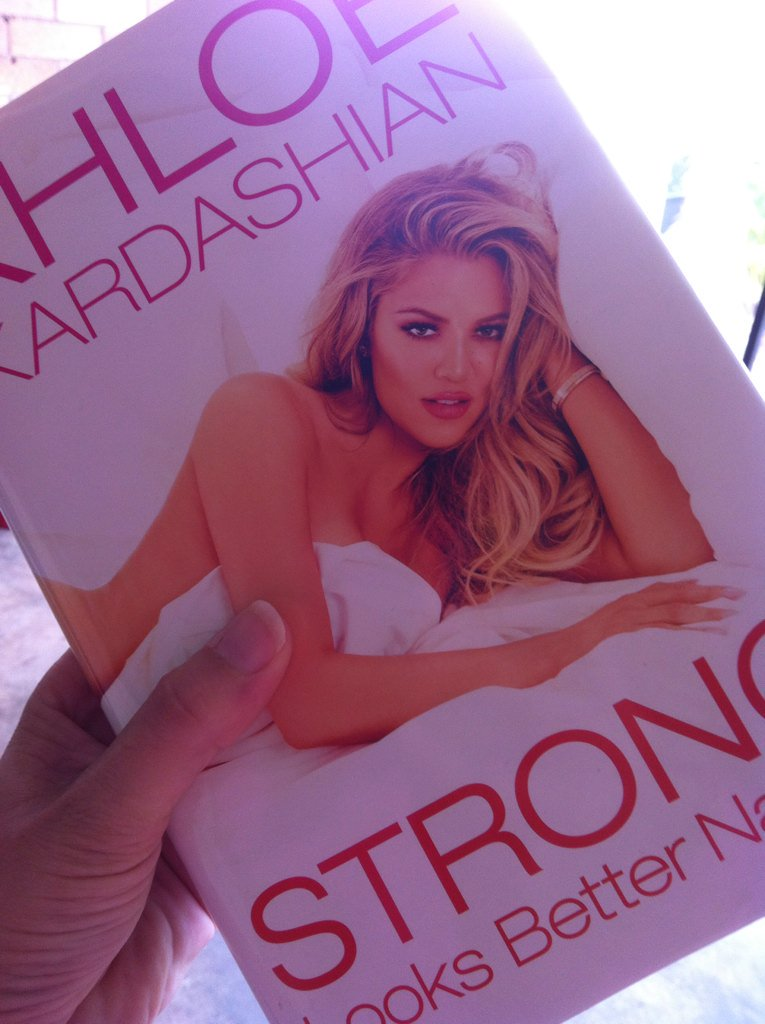 RT @bubblychookie: Forgot the proof, I can't put it down @khloekardashian https://t.co/nPiynaxFLd