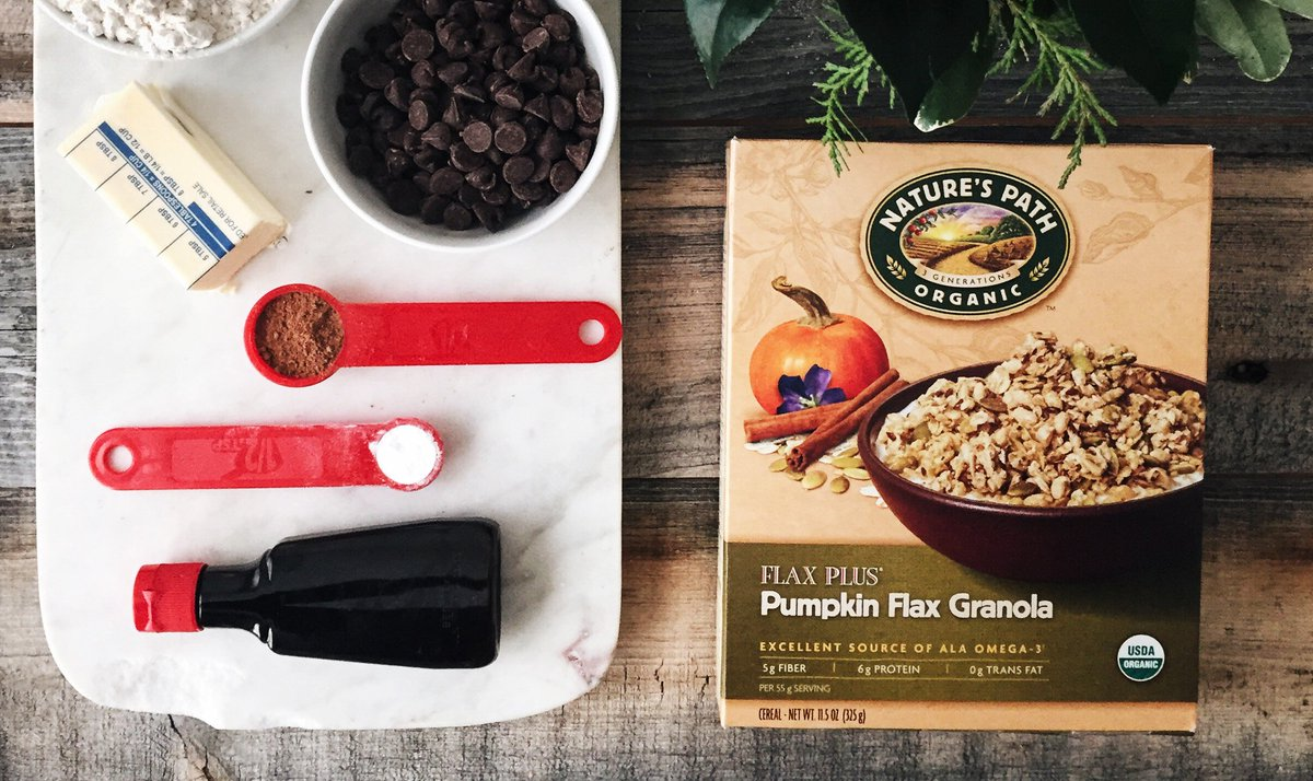Doing some #FestiveFoodie baking? RT for a chance to #win some Pumpkin Flax Granola to use in your recipe! https://t.co/b0HCMacI6l