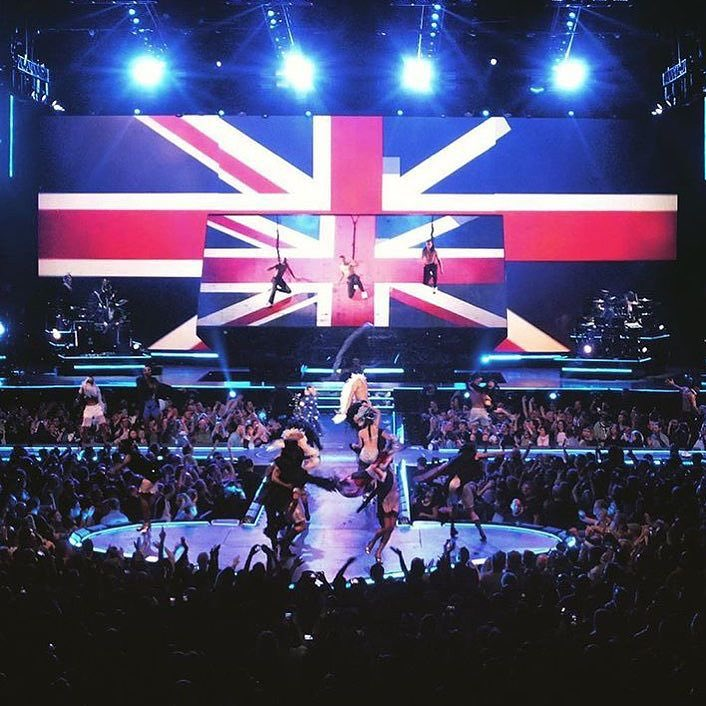 So Good to be back In the U.K. Tonight was ????! ❤️ #rebelhearttour https://t.co/56JEHtWYdJ
