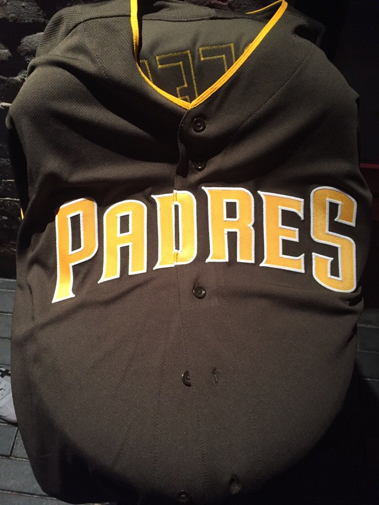 New #Padres brown unis up close (terrible lighting). https://t.co/Tfs0oZGVxK