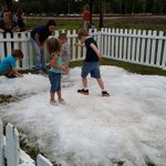 Snow in Bonita! (As seen at Riverside Park for the citys holiday in the park festivities) https://t.co/HKPAJeLLbv