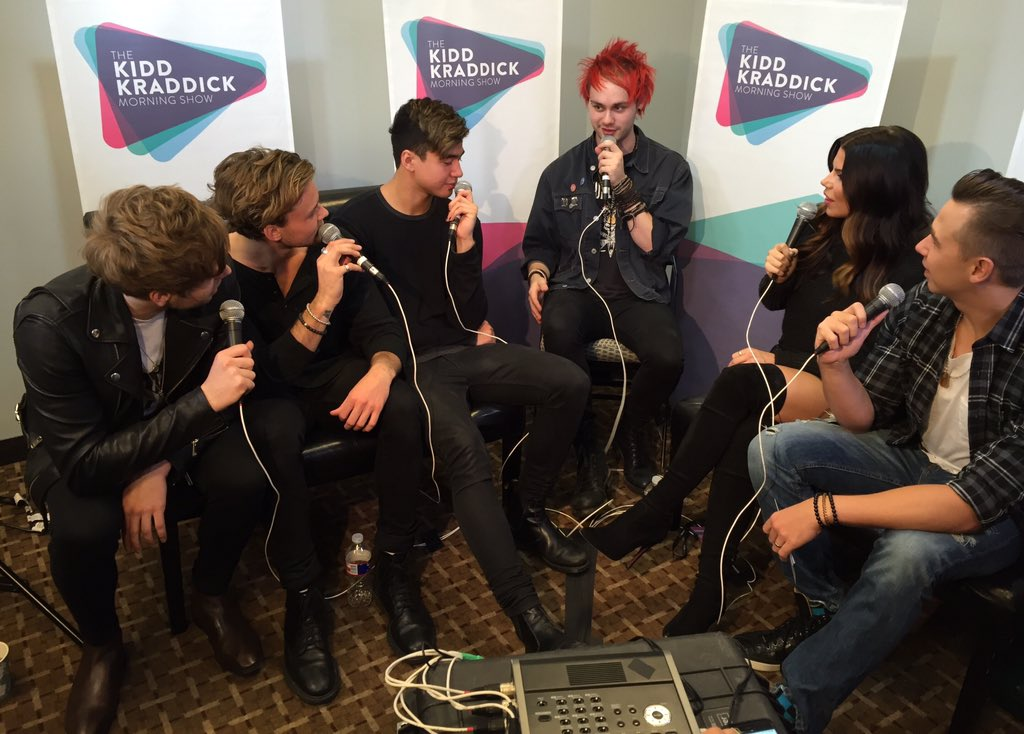 We just chatted with @5SOS! Hear it later this week! #KISSJingleBall #5sos https://t.co/qb3nfr8BCg