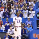 The crowd is on their feet as Diallo checks in for the first time as a Jayhawk. #kubball leads 15-9 https://t.co/jUHaPBPZK8