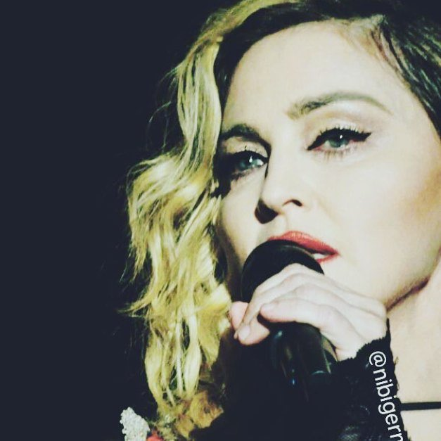 Tonight was Magic!????????????????.Thank you London ❤️ #rebelhearttour https://t.co/evzp77FPPa