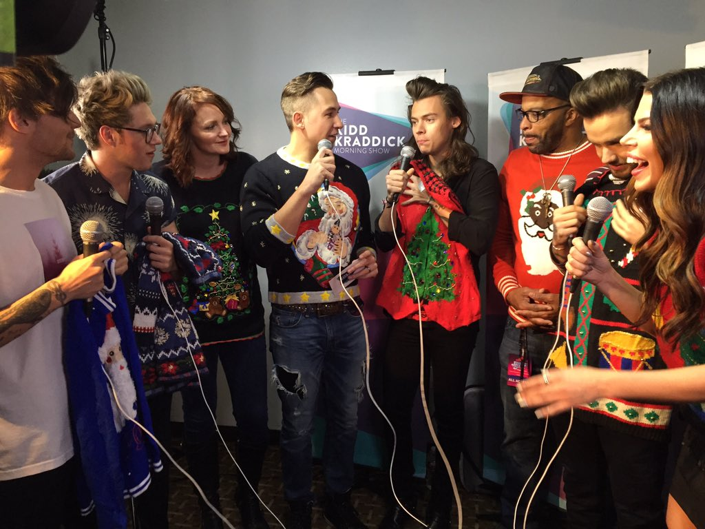 Yep, @jennapage gave @onedirection ugly Christmas sweaters! Hear the chat tomorrow at 7:30c! #KissJingleBall #1D https://t.co/a05ZQj7eB5