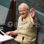 @philipruddockmp wears a safari suit to question time for charity #auspol #qt https://t.co/sXUhJp96yJ