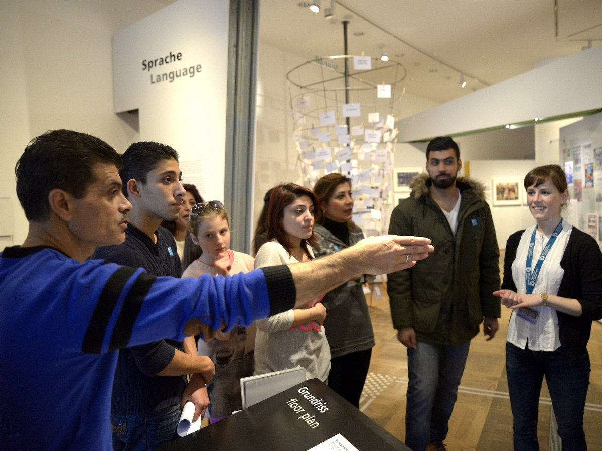 #Flüchtlinge willkommen! Viele Museen gewähren freien Eintritt und haben spezielle Angebote: https://t.co/jFK7PB2dvF https://t.co/49eRFKz0NR