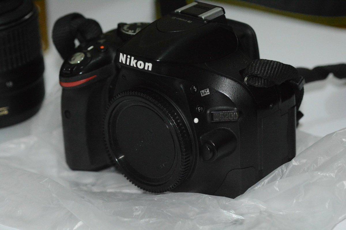 للي بيفكر: للبيع: كاميرا نيكون 5200 بالعدسة وبطارية زيادة، بالعلبة وكل حاجة على 3100ج #ريتويت https://t.co/nYDQgxoI7K