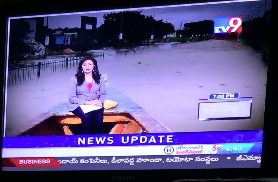 Oray TV 9 washbasin lo chepalu patte moham nuvvu aa graphics enti raa!! https://t.co/kM8tX3qvLB