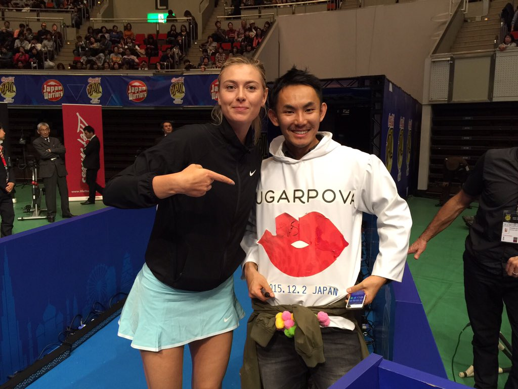 First night of @iptl with one of my biggest fans #Sugarpova. That was fun Kobe! https://t.co/4N6N57tfXl