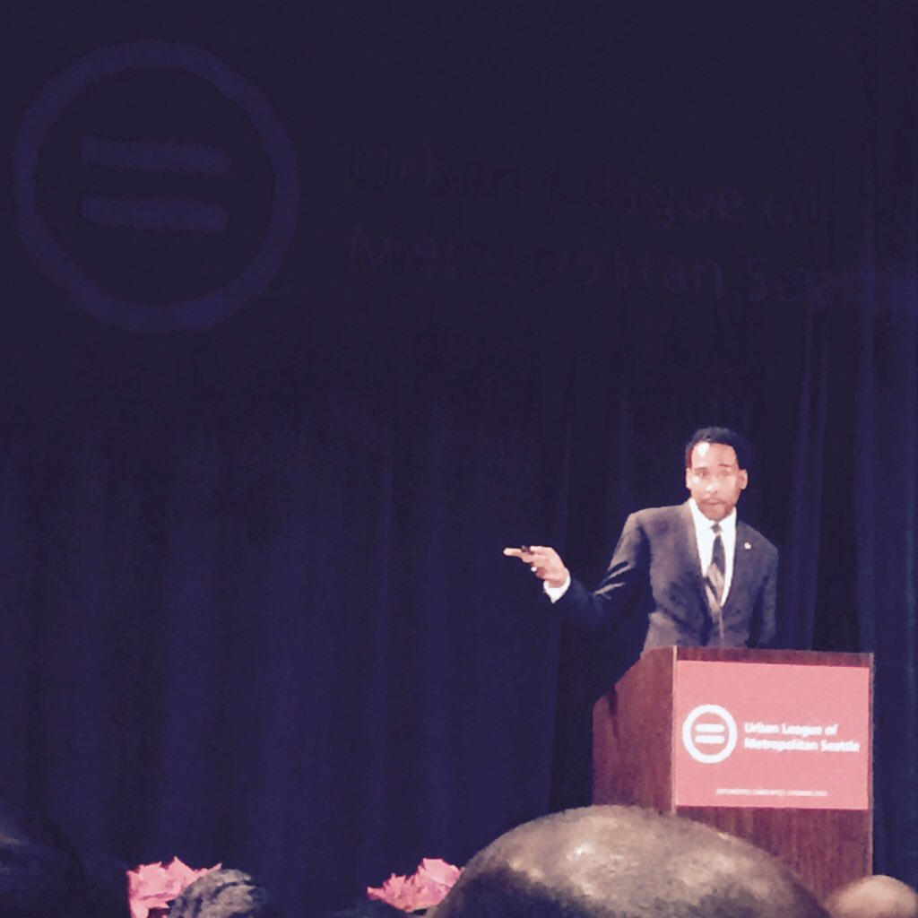 """""""Our babies are experiencing traumas that would break many people in this room"""" @MrDavidJohns @AfAmEducation https://t.co/xzZPHIELwd"""