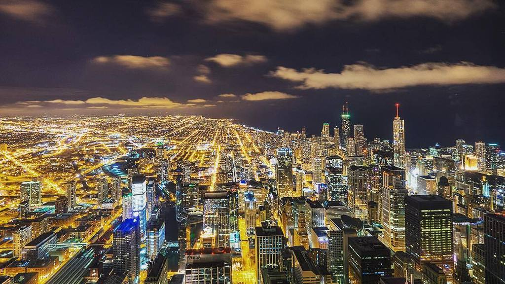 Chicago by Night #rsna15 @choosechicago #chicago #johnhancock #eltrain #el #chitown #willi… https://t.co/8yLN4x8K6K https://t.co/EAnCQJqOQk