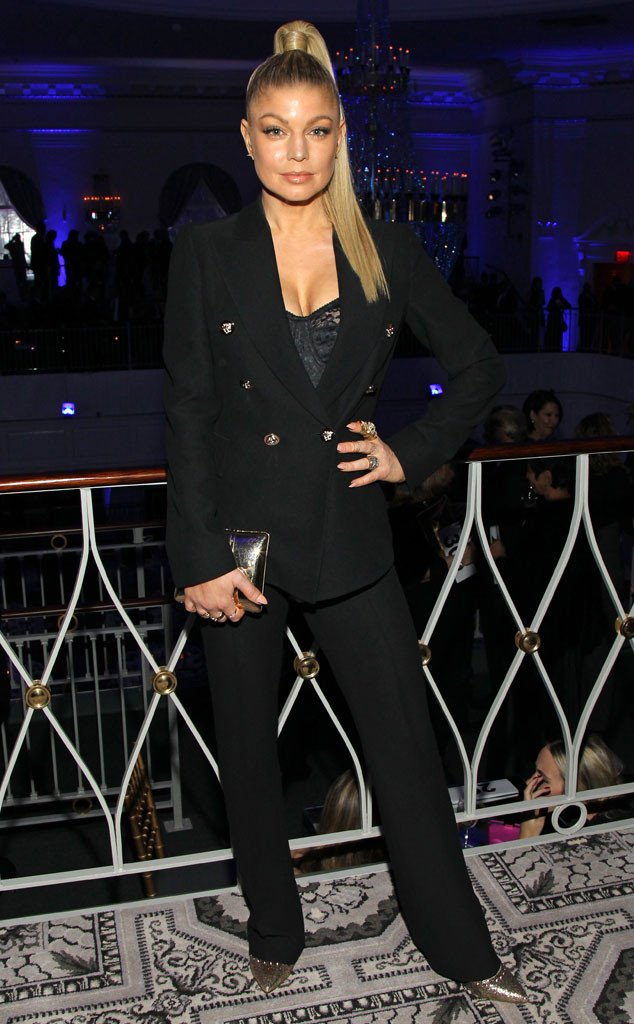 RT @EOnlineUK: .@Fergie rocks a classy ensemble in New York (our love for this lady will not die) Rock on! https://t.co/NCG8wmmktG https://…