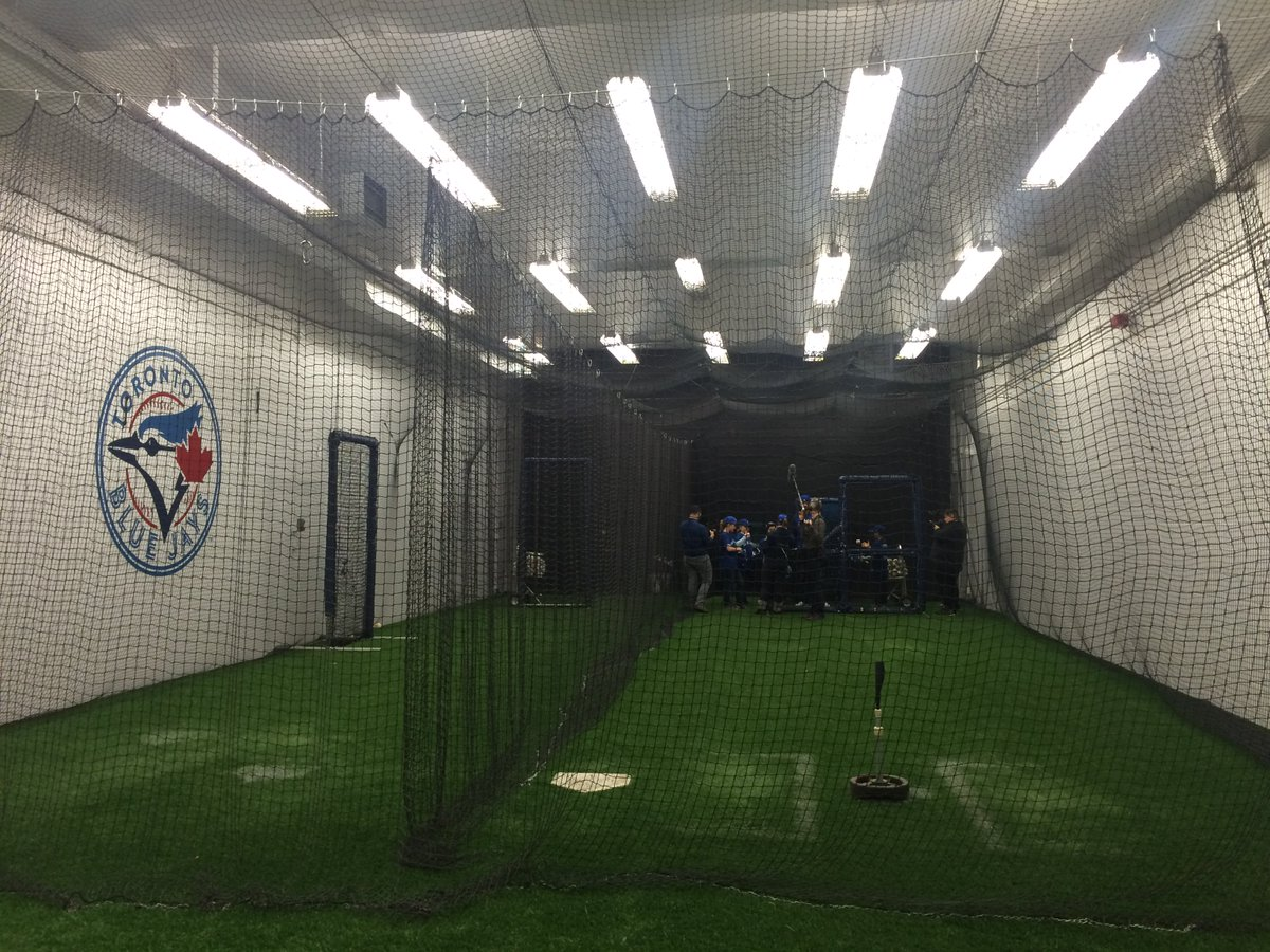 "Talk about a VIP experience at @RogerCentre! So ""clutch"" #SecretsetUPS #BlueJaysSurprise https://t.co/hmPGtOZt1S"