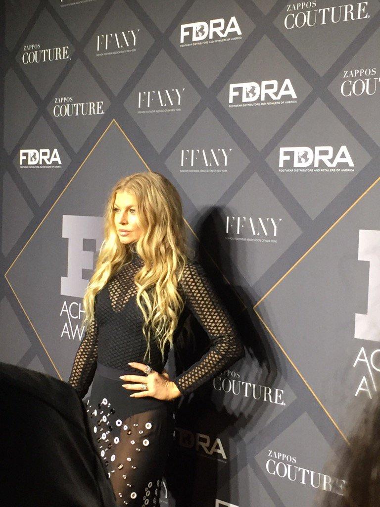 RT @litalie: @Fergie does the Footwear News Achievement Awards https://t.co/MdAU4ZYaD1