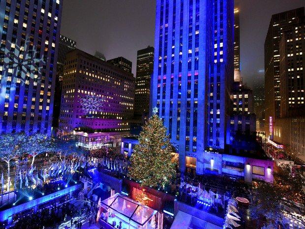 Árvore de Natal do Rockefeller Center é inaugurada em Nova York https://t.co/xS0OkIXIzO #G1 https://t.co/8PFoC9Xi4Z