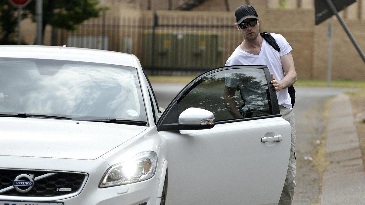 Court convicts Oscar Pistorius of murder