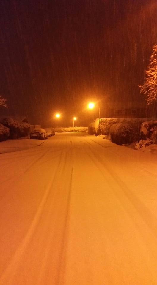 Our street right now. #Edinburgh #snow. https://t.co/yMnlBpHzy0