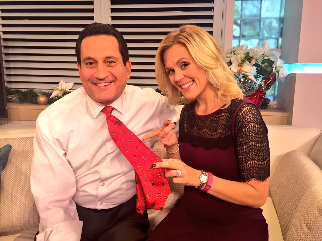 Shannon Hegy (@ShannonHegy): Fun fact: @mmontecalvotv has a festive tie for each day leading up to Christmas! https://t.co/6hOdWeyKpA