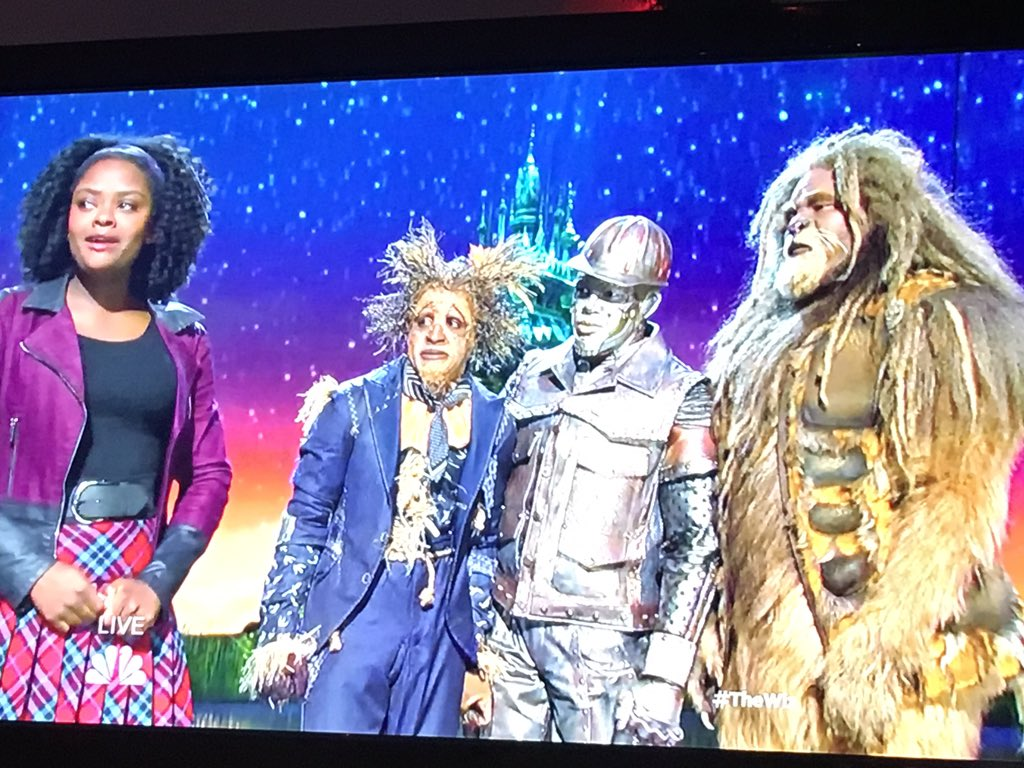 This is incredible. @LuvbeingShanice is killing HOME. #TheWiz https://t.co/i9x24fykyZ