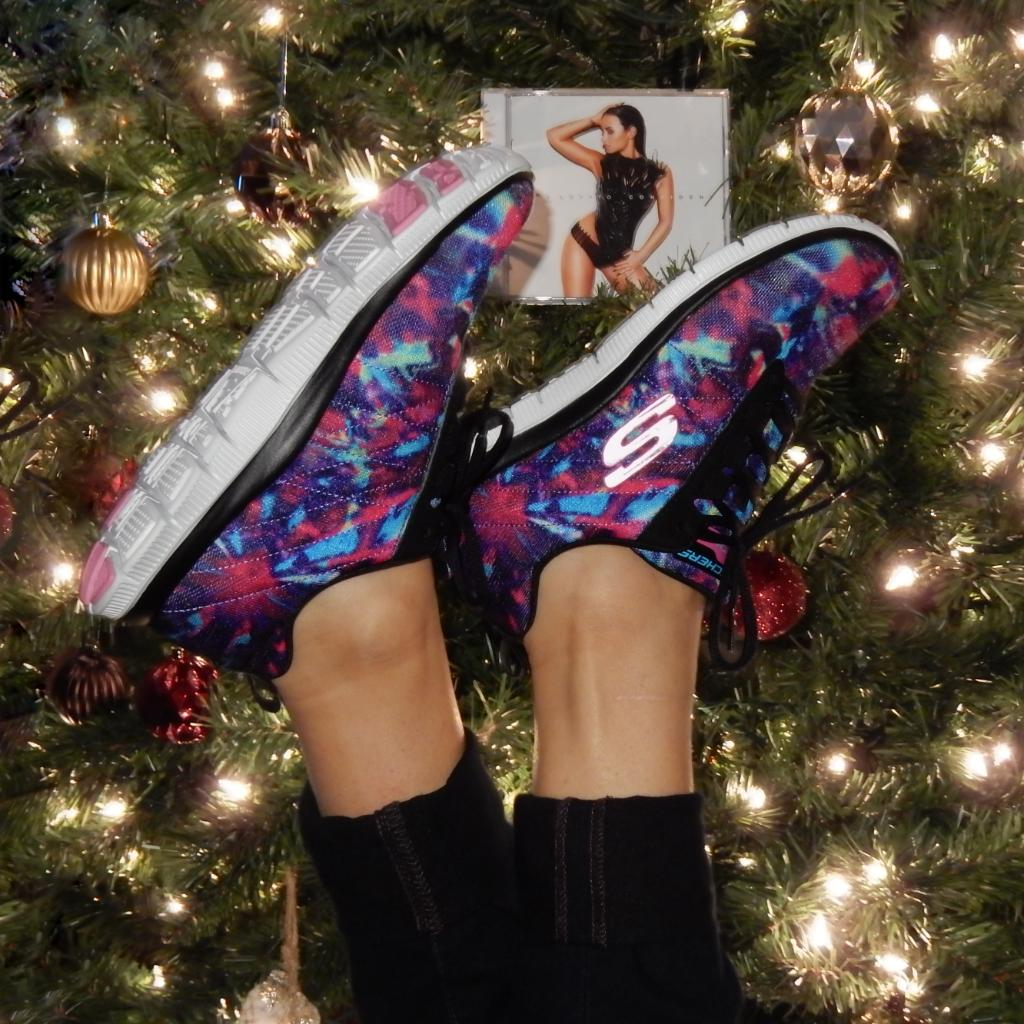 Do you love #SKECHERSDemiStyle shoes & @ddlovato's #CONFIDENT? RT for a chance to win both! #GIVEAWAY https://t.co/GuegKE5GhU