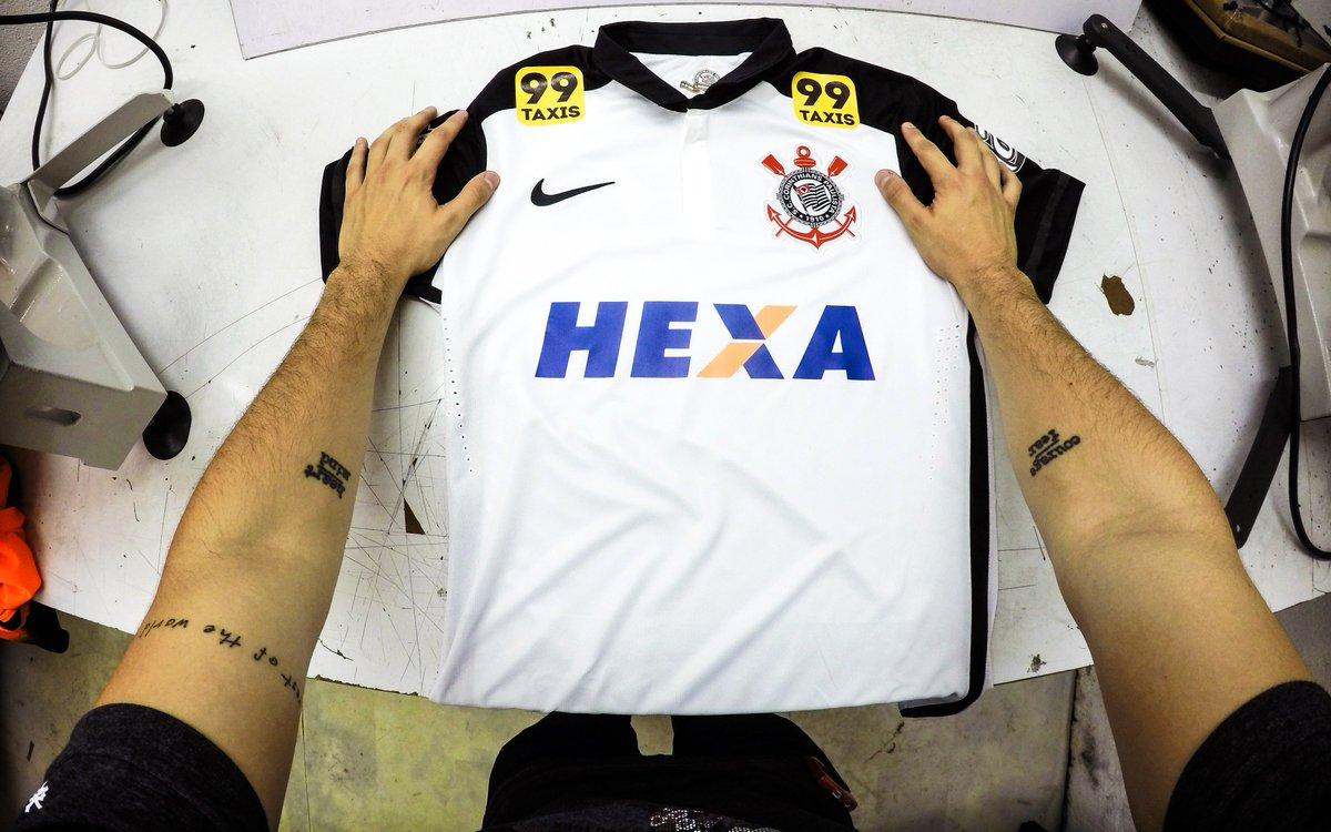 @Corinthians Vamos abrir mão de expor a nossa marca no #CORxAVA pra homenagear o #HexaNaFavela. Gostaram? https://t.co/rQ6dmmhOqe