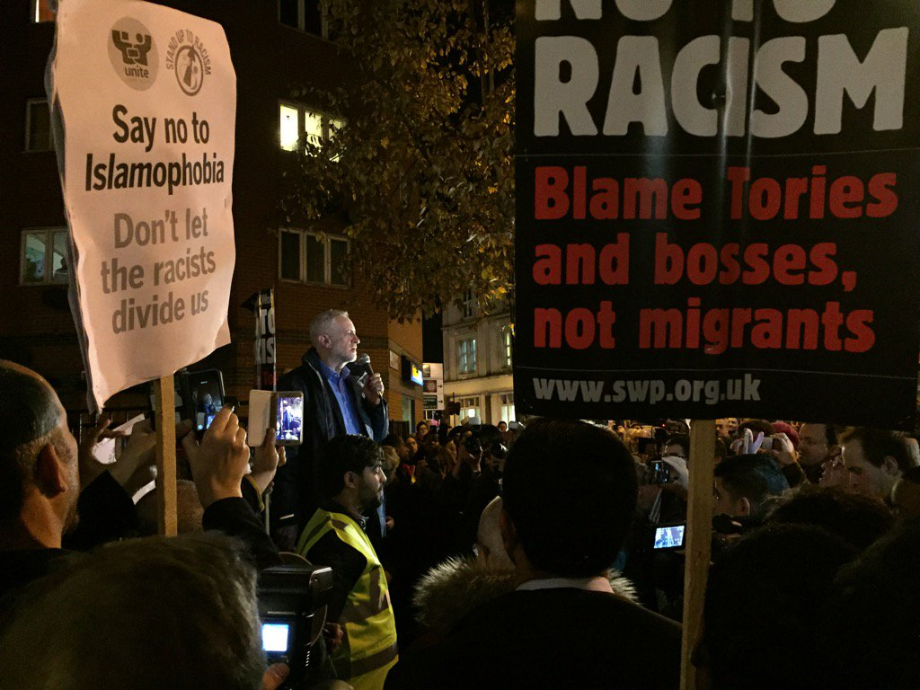 """Massive cheers for @jeremycorbyn at vigil for Finsbury Park mosque """"we are proud of our multi cultural community"""". https://t.co/Xbr3CWRyIo"""