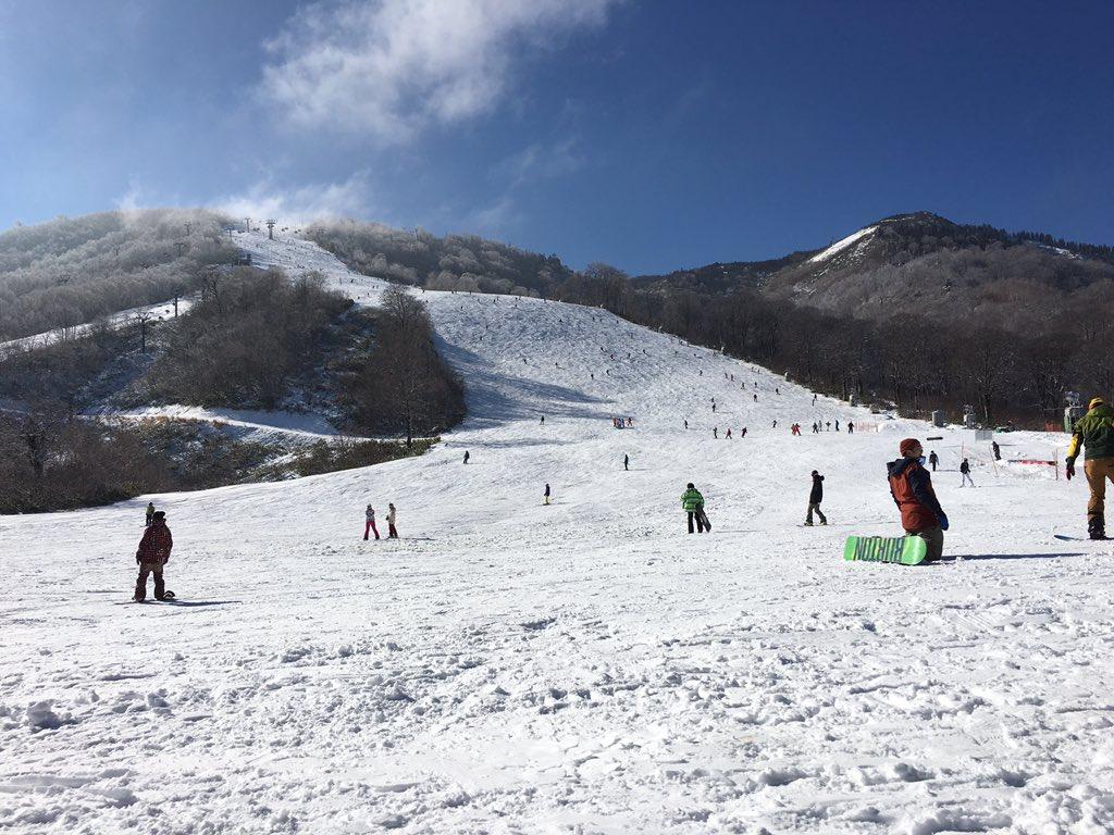新雪も降ってかぐら最高でスノー(≧∇≦) https://t.co/b9idIJmFlv