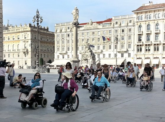 #disabili #MapMyDay Segnalaci le barriere architettoniche a #Trieste Leggi https://t.co/Mfkb99V5rD e manda una foto https://t.co/1auXfVmQP4