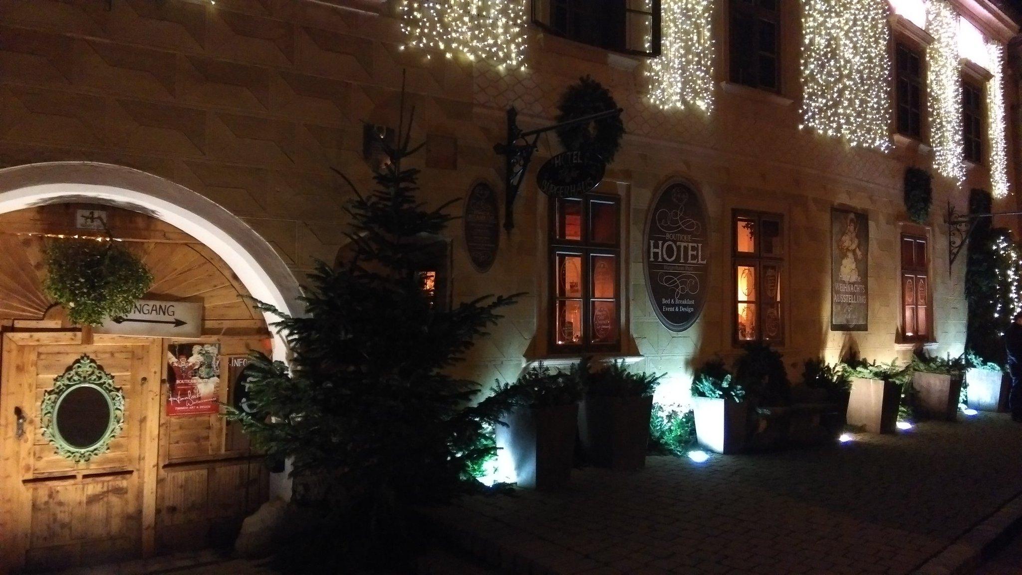 Cena nell'intimità dei locali cinquecenteschi del Bürgerhaus di Rust, Burgenland, Austria. #NataleBurgenland2015 https://t.co/5pXmgL2LUO