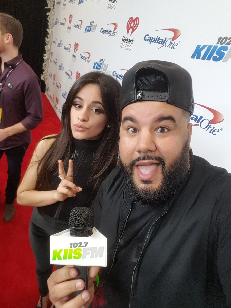 Me and my girl @camilacabello97 at the SOLD OUT #KIISJingleBall !! This is familia right here! @1027KIISFM https://t.co/NkT8cxfvJQ