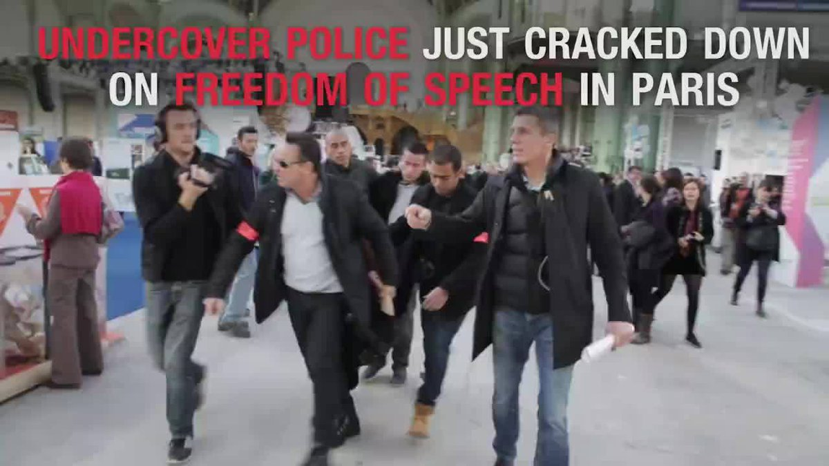#VIDEO: Undercover police crack down on freedom of speech in Paris corporate event: https://t.co/S55P7FNgfZ #COP21 https://t.co/JGgqRtGSy8