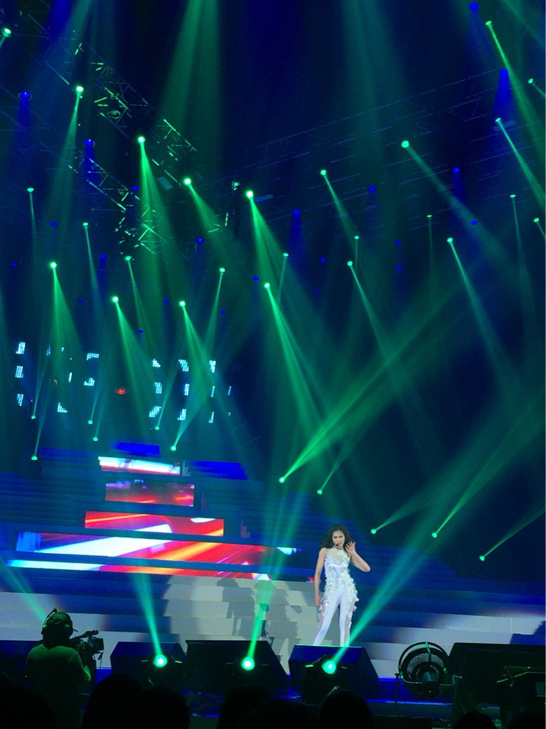 We are witnessing a totally new @JustSarahG tonight