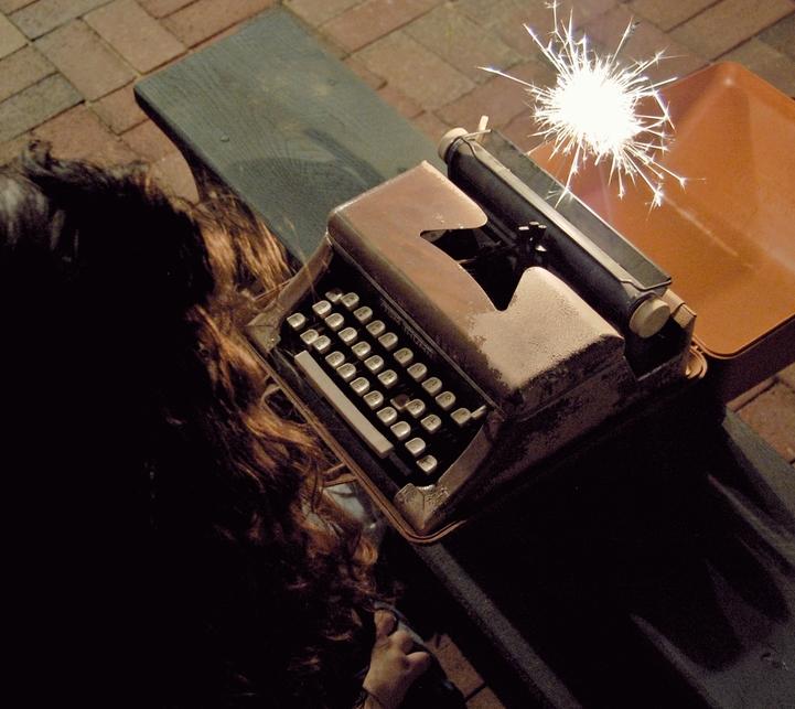 RT @hitRECord  Got a few minutes to do some creative writing? C'mon, it's a fun time -- https://t.co/MhVu4vwbTu https://t.co/udPCkHX4HG