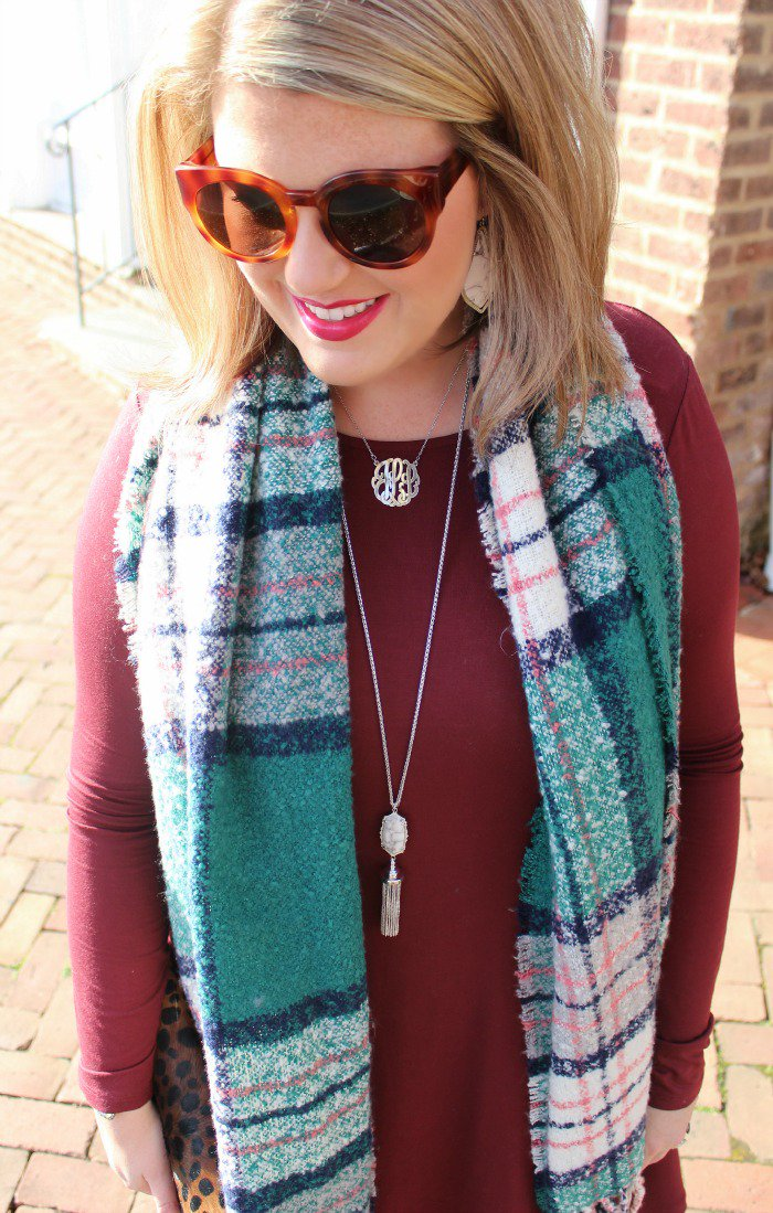 This is not a prank!! All @Aerie blanket scarves are $10 today! Like the one I'm wearing! https://t.co/5tYs3AHPm9 https://t.co/vFMSgYeFbO