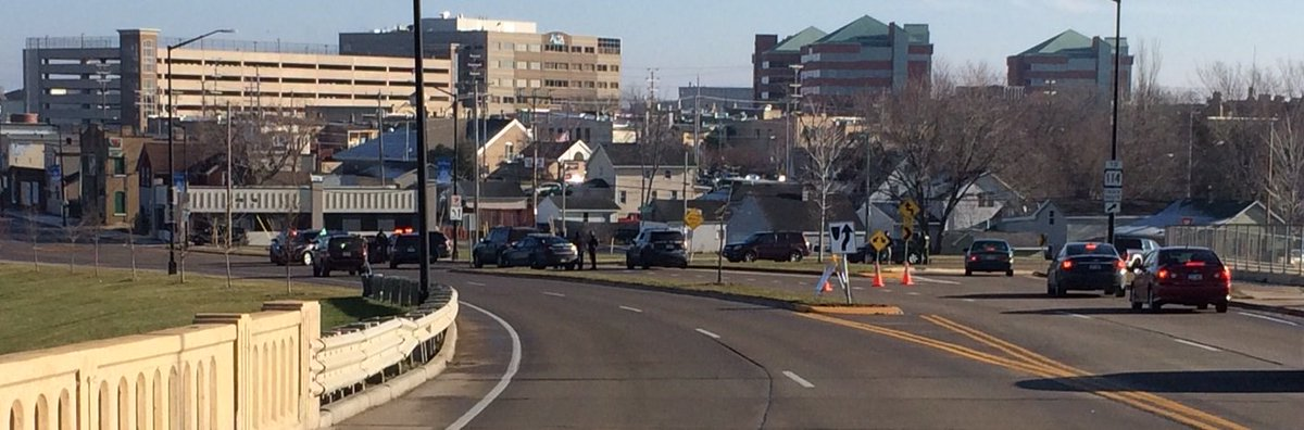 Action 2 News is on the scene of a hostage situation in Neenah. Click here for updates. https://t.co/AoZ2Guer7q https://t.co/aHzPQZBYhV