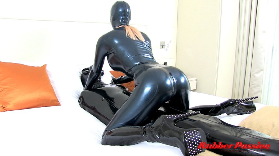 My latest video update & hot new series, 'Cocooned Rubber Slave' just added now 0GdKXWLTqX