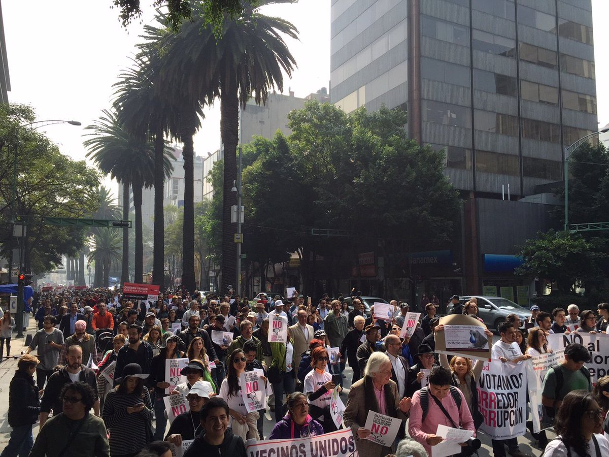 """Mancera: entiende, la calle no se vende."" #AsíNo, @otrochapultepec https://t.co/QWeqA42Mje"