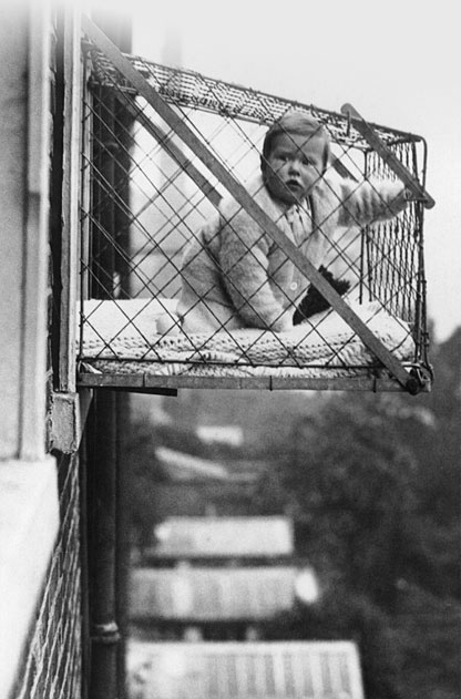 Baby cages hanging out the window were used in America in the 1920's. https://t.co/GcEAVbncKj