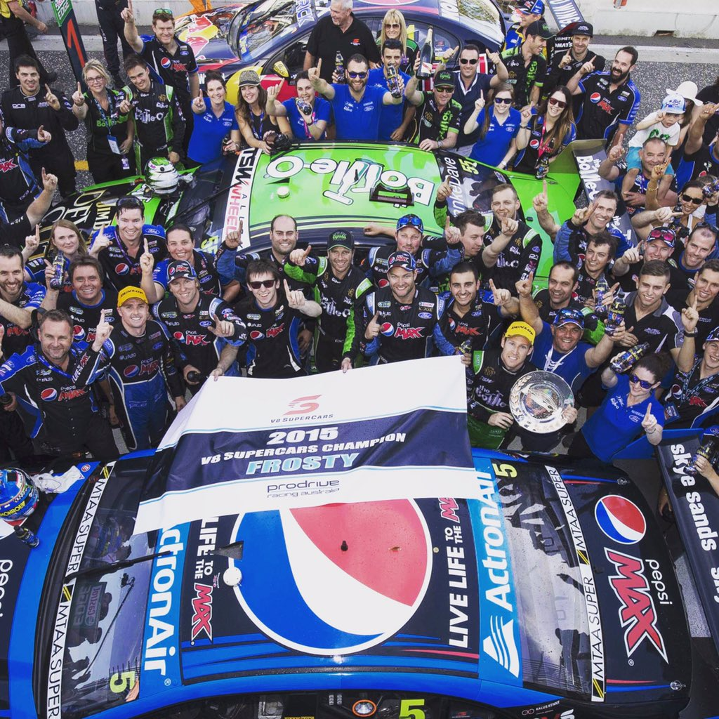 Sad day today my last day racing with @BottleORacing in @FordAustralia colours. Had an unbelievable 4 years #thanks https://t.co/VnUUAgHNWu