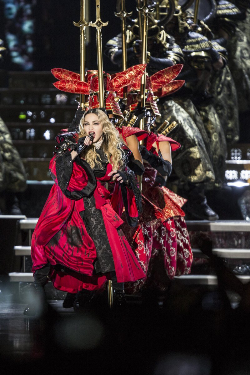 It's @madonna at @ZiggoDome, bitch! Full photo report soon on @NUnl https://t.co/ZFGGsHREee