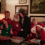 Thank you @ericstonestreet for introducing me to the real Santa! https://t.co/aRGbB3RMXs