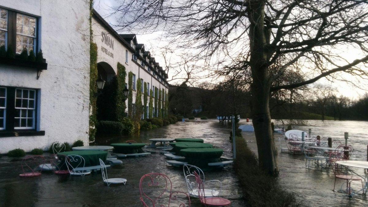 Devastating scenes at The Swan at #newbybridge https://t.co/Xaird66X6Q
