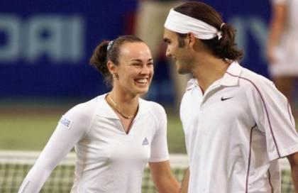 """Arriva il fatidico """"sì"""" di Federer a Martina Hingis, giocheranno il doppio misto a Rio 2016 https://t.co/F8buZFosrI https://t.co/E0oxrVWz3w"""