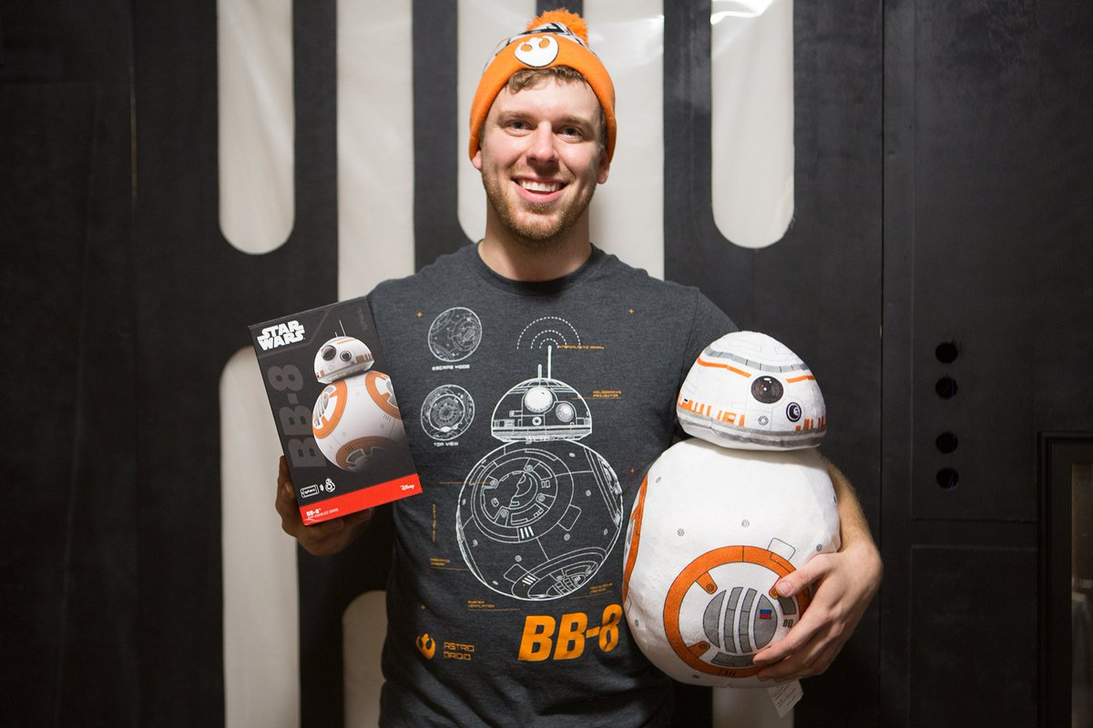 Do you love BB-8?! RT this and I'll MAIL one person a FREE Sphero BB-8 ($200)! Thanks @Subway! #FuelYourFandom #ad https://t.co/lXEq5JI4v5