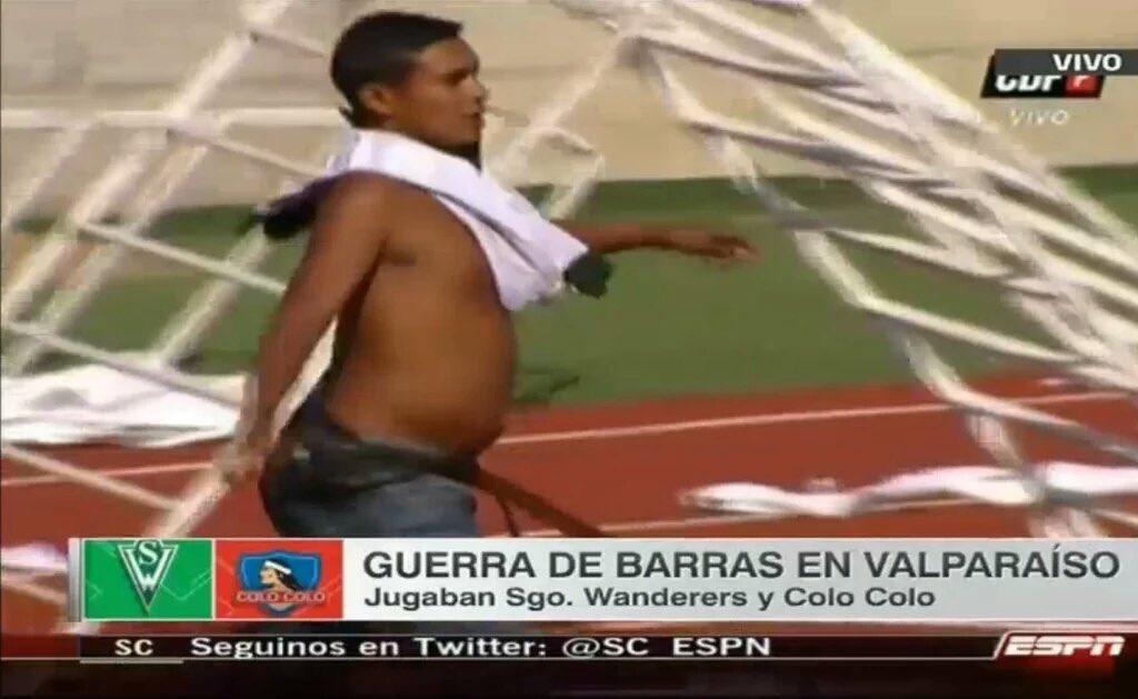 Debido a disturbios en el Estadio, este hombre acaba de perder al hijo que estaba esperando!! Que se haga justicia! https://t.co/hro4KGb1jr