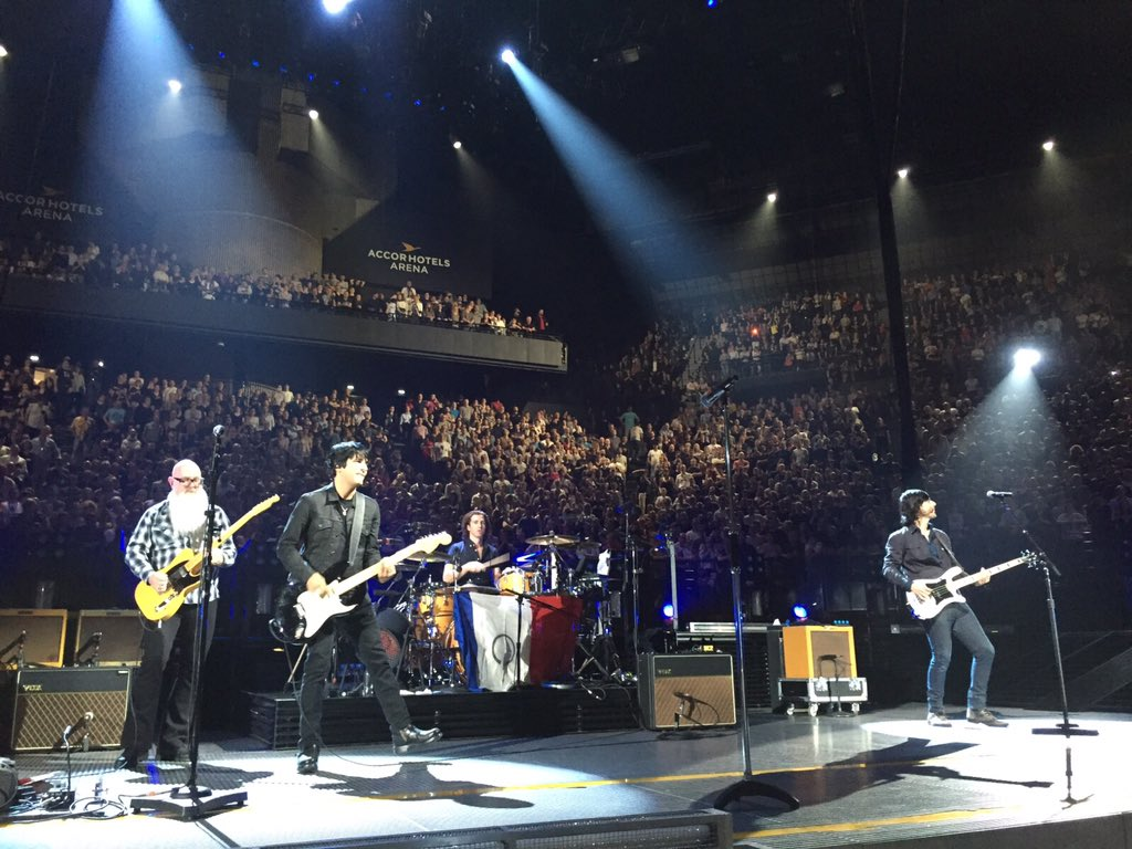 """U2 leave the stage as the Eagles of Death Metal play their own song, """"I Love You All The Time"""" - amazing! #U2ieTour https://t.co/1ILCkkE8P6"""