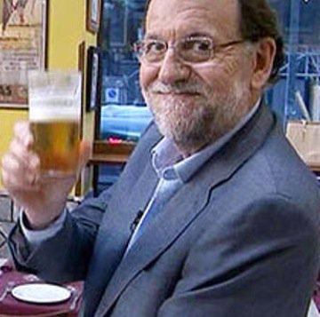 Rajoy, cada vez que le citan en el #7DElDebateDecisivo https://t.co/IxQ4D4hdxo