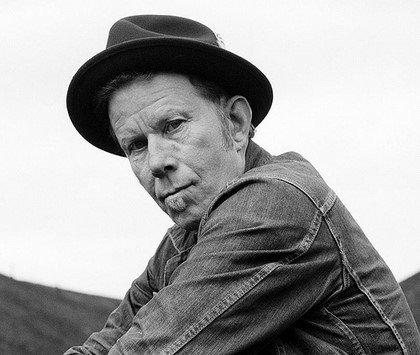 Happy Birthday, @TomWaits. Thank you for all you've done and continue to do. https://t.co/UCKic4HJMy